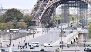 Son dakika: Pariste Eyfel Kulesinde bomba ihbarı