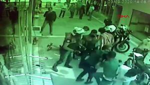 Maske uyarısı yapan polislere iki kardeşten darp