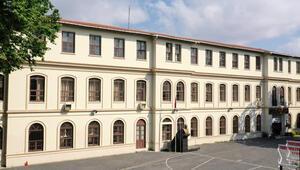 İstanbulda tarihi okulun müdürü değişti
