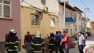 Yıkım sırasında çatı çöktü: 1 işçi yaralı