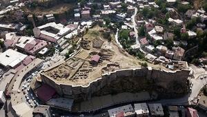 Bitlis Kalesi, Kanuni Sultan Süleyman tarafından yenilenmiş