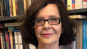 13. Erdal Öz Edebiyat Ödülü Jale Parlanın oldu