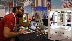 Kayserili öğrenci 3D yazıcı mantığıyla çalışan baskı makinesi geliştirdi