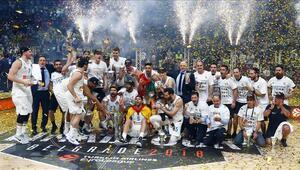 Real Madrid, 10 kezle Euroleaguein en fazla şampiyon olan takımı