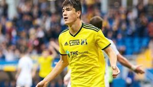 Özbek golcü Eldor Şomurodov, İtalyan ekibi Genoaya transfer oluyor