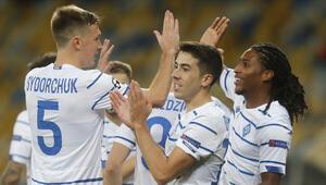 Lucescu, Dinamo Kievi Şampiyonlar Liginde gruplara çıkardı