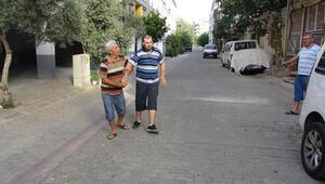 Engelli oğlunu mutlu etmek için 25 yıldır her akşam birlikte yürüyor