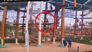 Başakşehirde parkta feci olay Küçük çocuk 5 metreden düştü