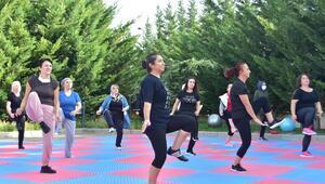 Mamak'ta kadınlar güne sporla başlıyor
