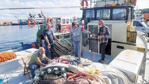 Garipçe ve Rumeli Feneri'ndeki balıkçılar kontrolsüz avcılıktan şikâyetçi: 'Bereketi kaçırdılar