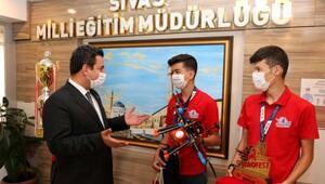 TÜBİTAK Liseler Arası İHA yarışmasında Türkiye birincisi oldular