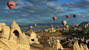 Hem havadan hem yerden görsel şölen... Kapadokya'nın tam  zamanı