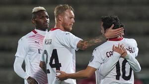 Çalhanoğluna İtalyan basınından övgü 120 kilo ağırlığında penaltıyı gole çevirdi...