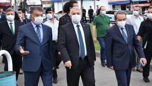 'Koronavirüs' denetimine çıkan validen maske takanlara teşekkür