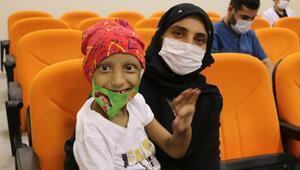 Lösemi hastası çocuklar gölge oyunu ile moral buldu