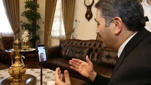 Başkan Eroğlundan yaşlılara telefon