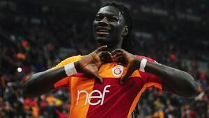 Bafetimbi Gomis, G.Saray forvetlerine 20 gol fark attı