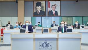 İstanbul Valisi Yerlikaya, Sağlık Bilgi Sistemleri Bilgisayar Uygulamaları Bilgilendirme Toplantısına katıldı