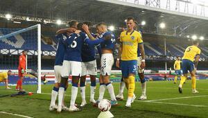 Premier Ligde 4te 4 yapan Everton maç fazlasıyla lider