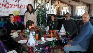 Türkiyenin en yüksek rakımlı restoranında doğum günü sürprizi