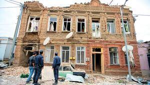 Ermenistandan sivillere alçak saldırı Önünden geçtiğimiz evlere füzeler düştü