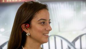 Kablosuz kulaklık işitme engellilere ses oldu