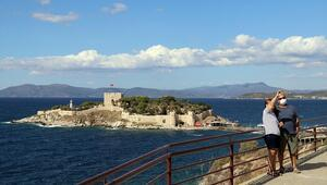 Barbaros Hayrettin Paşanın mirası Güvercinada Kalesi turistlerden ilgi görüyor