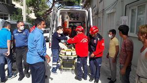 Burhaniye'de inşaattan düşen işçi yaralandı