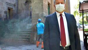 Melikgazi'de tarihi yapıları özel ekip temizliyor