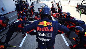 Aston Martin Red Bull pilotları Verstappen ve Albon, F1 tutkunlarıyla buluşacak