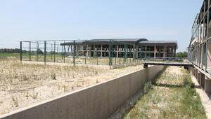 Mustafakemalpaşada Gençlik Merkezi Sosyal Yaşam ve Spor Tesisleri için yer teslimi yapıldı