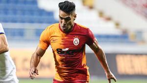 Son dakika haberi | Galatasarayda Radamel Falcao'ya tepki Bu golü halı sahada bile atarlar