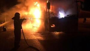 Adanada seyir halindeki otobüs yandı