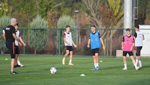 Ümit Milli Futbol Takımı, İngiltere maçı hazırlıklarına başladı