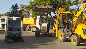 Yarın açılacak hayalet şehir Kapalı Maraşta temizlik çalışması başlatıldı