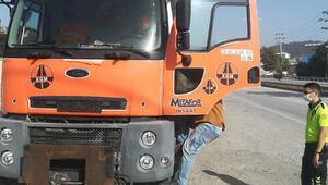 Düzce'de trafiği tehlikeye düşüren kamyonlar trafikten men edildi