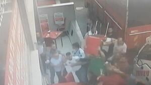 Esenyurtta pazarcıların levyeli sandalyeli yer kavgası kamerada