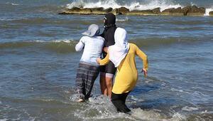 En acı an Denizden çıkartılan cansız bedene koştular