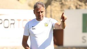 Hamza Hamzaoğlu: Ligi ilk 10un içerisinde bitiririz diye düşünüyorum...
