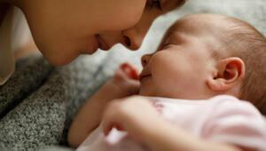 Bebeğinizin gece boyu uyumasını nasıl sağlayabilirsiniz