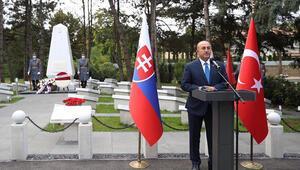 Bakan Çavuşoğlu, Bratislava Türk Şehitliği ve Anıtının açılışını yaptı