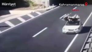 Feci kaza Otomobilin ineğe çarpma anı kamerada