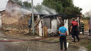 Çöpten bulduğu parfüm şişesi evi yaktı