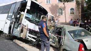 Hasta taşıyan midibüsle otomobil çarpıştı: 1 ölü