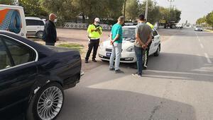 Alkolden ehliyeti alınan sürücü yine trafikte yakalandı
