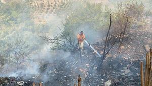 Samandağ'da örtü yangını korkuttu