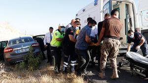 Bakan Karaismailoğlunun konvoyunda kaza: 2 yaralı