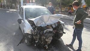 Konya'da otomobiller çarpıştı: 3 yaralı
