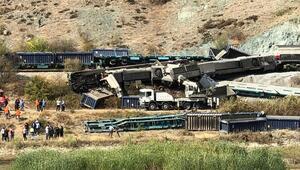 İki yük treni Kalecik'te çarpıştı