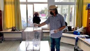 Son dakika haberleri... KKTCde Cumhurbaşkanlığı seçimi için oy verme işlemi başladı